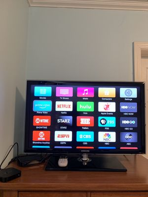 Samsung 32 inches TV with Apple TV 3rd generation for Sale in San Francisco, CA