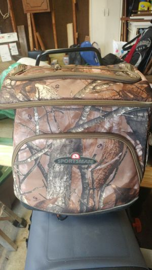 IGLOO Realtree Sportsman Soft Cooler for Sale in Bolingbrook, IL