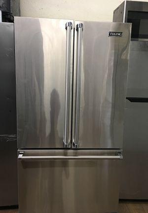 Viking Counter Depth Bottom Freezer Fridge for Sale in Lake Forest, CA