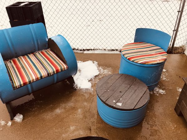 Unique Outdoor Patio Furniture & Fire Pit w/ cover!!!