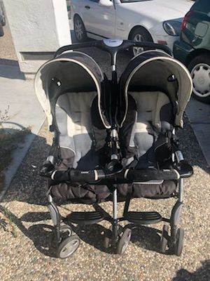 Combi Compact Folding Double Stroller for Sale in San Jose, CA