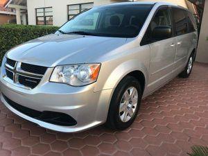 2013 Dodge Grand caravan clean title for Sale in Miami, FL