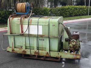 Myers Water Pump Engine and Tank for Sale in Fort Lauderdale, FL