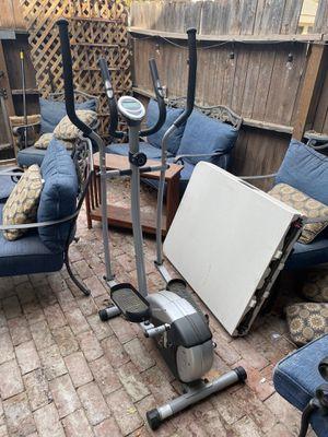 Sunny Elliptical Exercise Machine SF E905 for Sale in Orange, CA