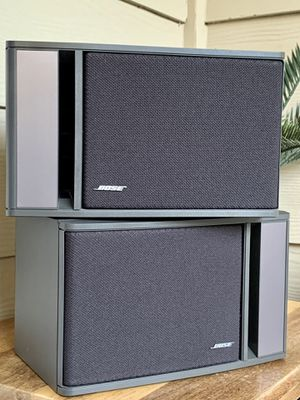Pair of Bose 141 bookshelf/surround speakers for Sale in Euless, TX