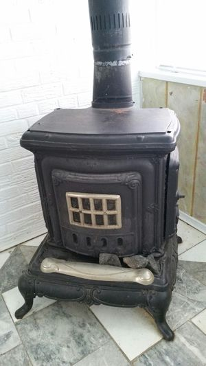 Fireplace real iron antique for Sale in Alexandria, VA