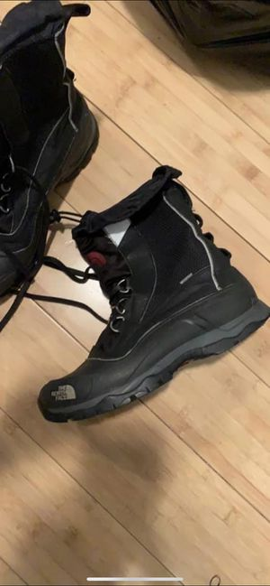 North face snow boots for Sale in Philadelphia, PA