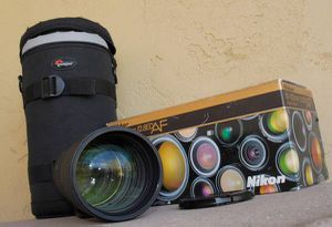 LATEST Nikon AF Nikkor 80-200mm F2.8 D two ring lens with case for Sale in Apache Junction, AZ