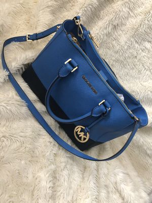 Michael Kors Medium Sutton for Sale in Manassas, VA