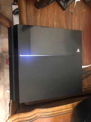 PS4 with 2 controllers and 6 games for Sale in Arcadia, CA