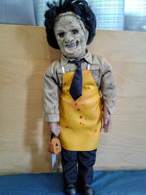 Movie maniacs Texas chainsaw 18inch for Sale in Pasadena, CA