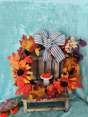 Beautiful wreath fall decor with sunflowers & bow. Great for farmhouse decor, fall decor, halloween, front doors, porches, wall decor and more!! for Sale in Colton, CA
