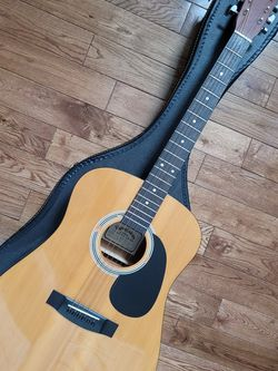 Sigma Guitars DM-1 acoustic guitar with case for Sale in Leesburg,  VA