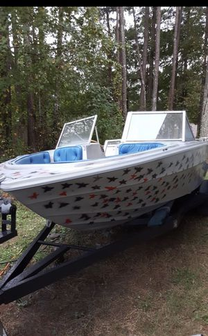 Renken ski boat 165 mercruiser motor for Sale in Hampton, GA