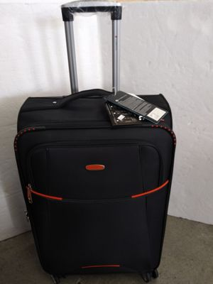 GABBIANO LUGGAGE; 8 WHEELS SPINNERS ULTRA LIGHT for Sale in HALNDLE BCH, FL