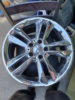 Mercedes Benz 17 inch OEM rims for Sale in Los Angeles, CA