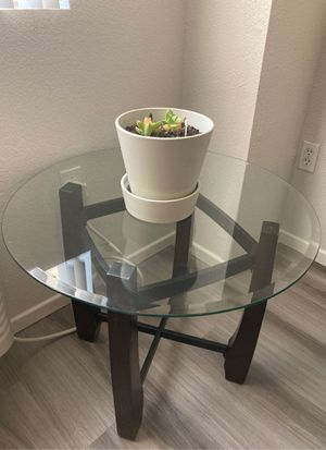 Coffee table and side table for Sale in San Diego, CA