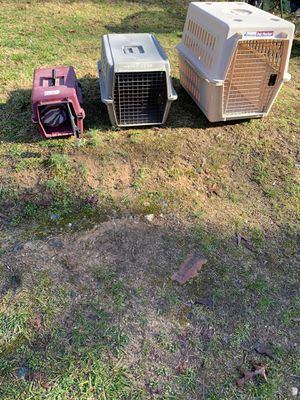 Three dog crate for Sale in Winston-Salem, NC