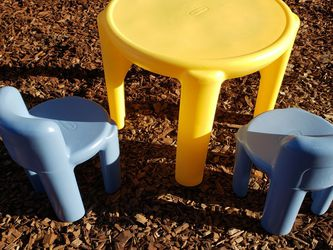 Little Tikes Children's Table for Sale in Tracy,  CA