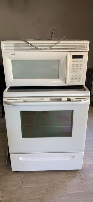 Stove , oven and microwave for Sale in Gilbert, AZ