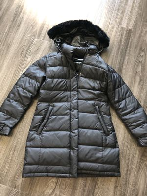 The North Face Padded Jacket w Fur Accent Hoodie for Sale in Farmers Branch, TX