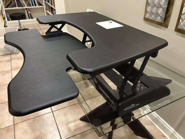 Varidesk 36 height adjustable desk