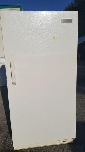 WHITE FRIGIDAIRE FREEZER (READ DESCRIPTION BELOW PLEASE) for Sale in Plant City, FL