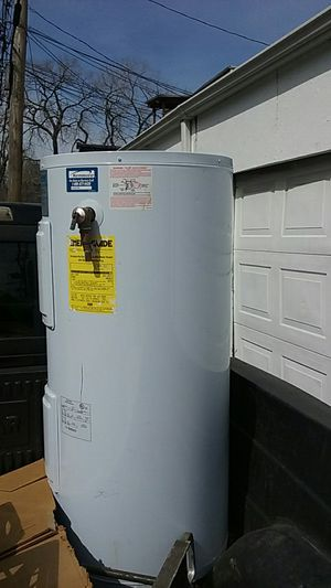 Brand new kenmore hot water heater for Sale in Chicago, IL