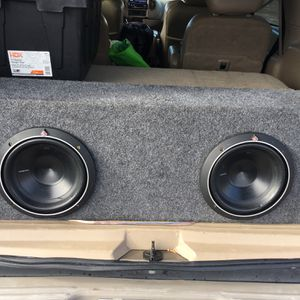 2/10 P2 Rockford Fosgate Subwoofers W/ported Box for Sale in Lakeside, CA