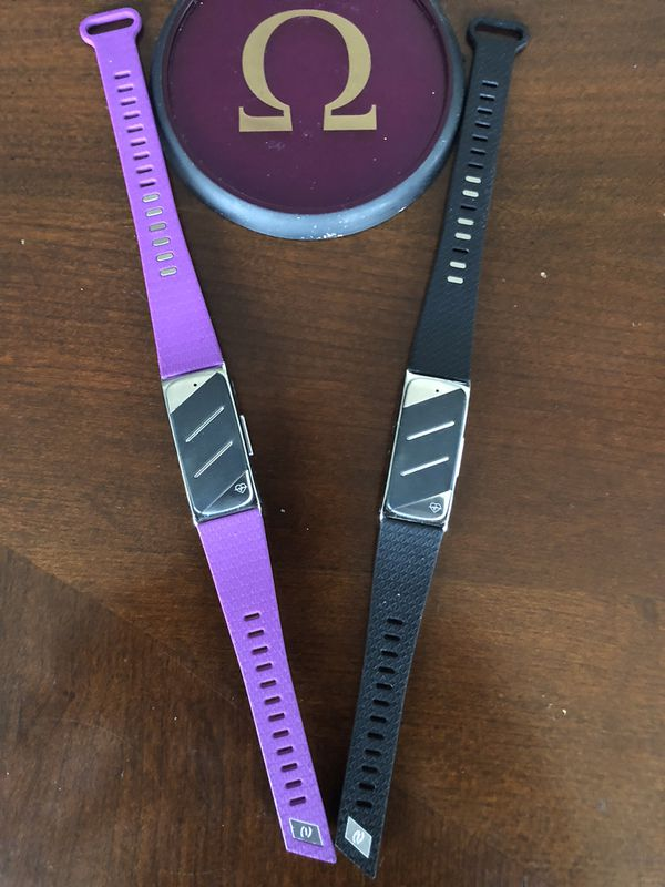 """This is a brand New """"not use"""" Helo LX, A Wearable Fitness Monitoring Electronic Device"""