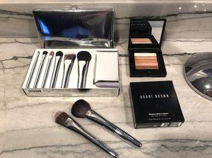 Bobbie brown makeup brushes for Sale in Elmhurst, IL