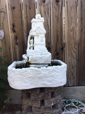 Water fountain w/ waterwheel for Sale in Tulare, CA