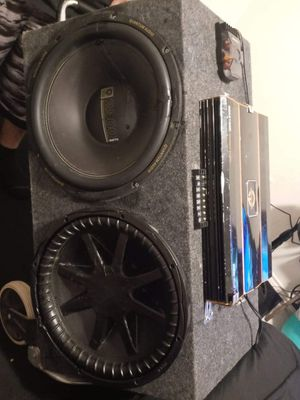 1 kicker cvx it was patched up in front and 1 quantum audio 15s. for Sale in Elgin, TX