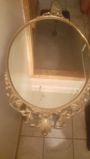 Vintage oval brass gold tone mirror for Sale in Chicago, IL