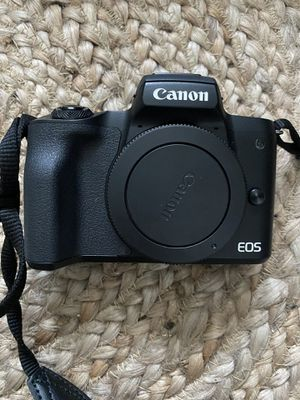 Canon EOS M50 for Sale in Portland, OR