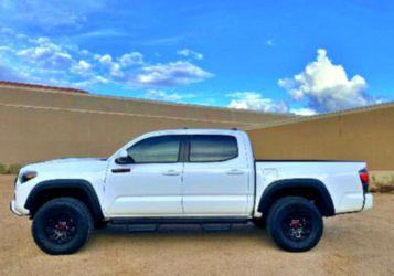 🚭🔑 Tacoma Pickup 2O17 for Sale in Hays,  KS