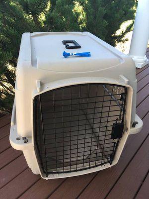 "Medium Cat Dog Kennel 27.5""L x 20""W x 21""H for Sale in Steilacoom, WA"