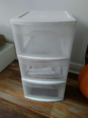 Storage drawers containers STERLITE for Sale in NEW PRT RCHY, FL
