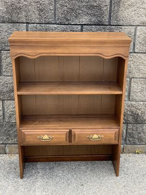 Sumter oak bookshelf/hutch for Sale in Clinton Township, MI