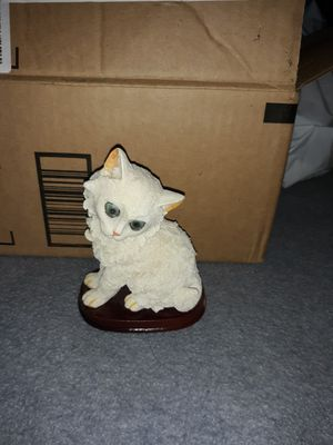 Figuring cat for Sale in Lynwood, CA
