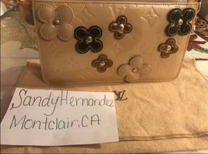Authentic lv purse for Sale in Montclair, CA