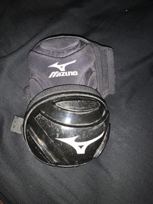 Elbow pad for baseball for Sale in Modesto, CA