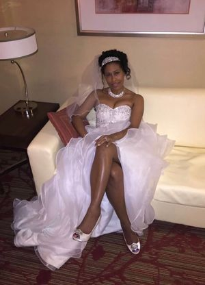 Wedding Dress Size 6 for Sale in Austell, GA