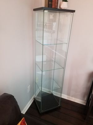4 SHELF GLASS SHOW CASE for Sale in Simpsonville, SC