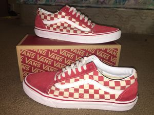 Red n White Checkered Vans for Sale in Elk Grove, CA