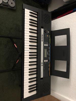 Yamaha Keyboard w/ headset for Sale in Sarasota, FL