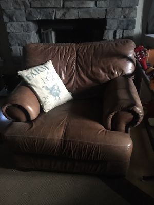 MUST GO COUCH AND CHAIRS for Sale in Orlando, FL