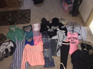 Juniors/women's XS and small clothes for Sale in Graham, WA