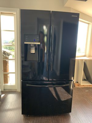 Samsung French Door Refrigerator with Dual Ice Maker for Sale in Mission Viejo, CA