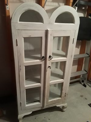 ANTIQUE DOUBLE DOMED OAK DISPLAY CABINET for Sale in Pinellas Park, FL